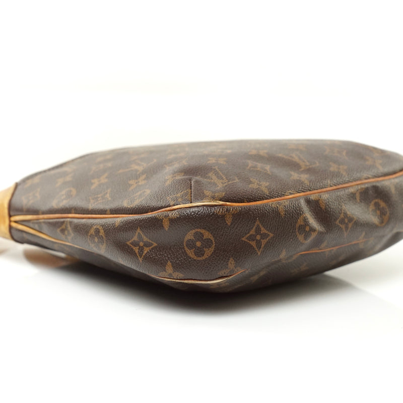 Pre-loved authentic Louis Vuitton Odeon Pm Bag sale at jebwa