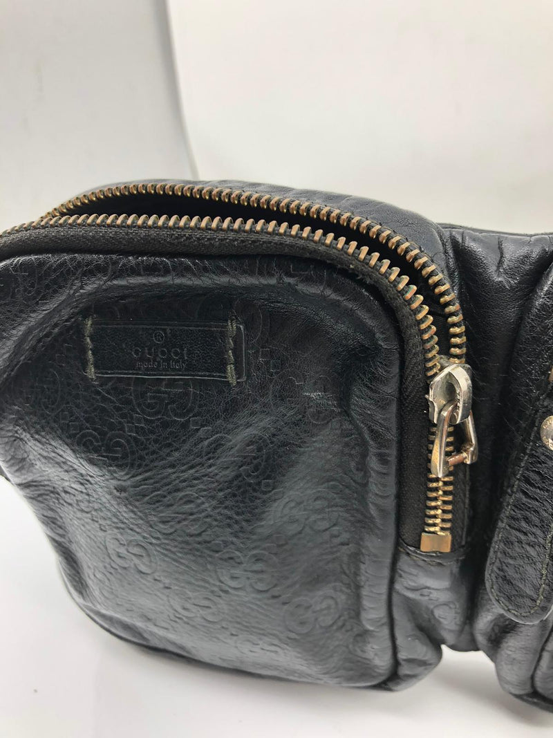 Pre-loved authentic Gucci Waist Pouch Black Leather sale at jebwa