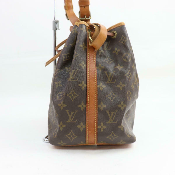 Pre-loved authentic Louis Vuitton Petit Noe Shoulder sale at jebwa