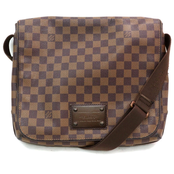 Pre-loved authentic Louis Vuitton Brooklyn Mm Crossbody sale at jebwa