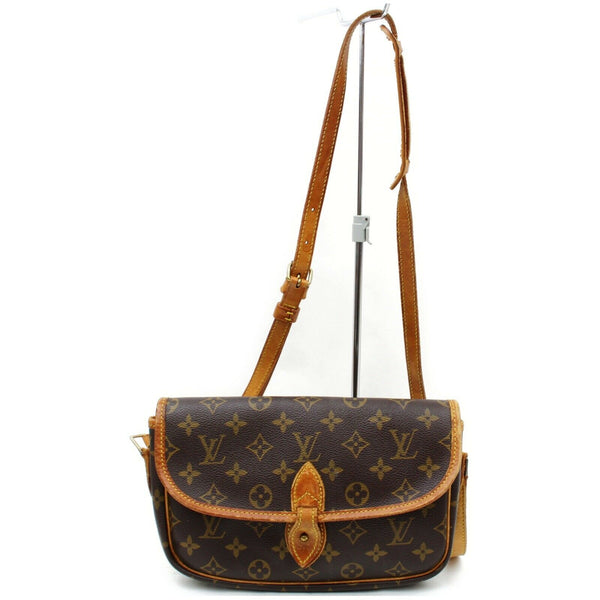 Pre-loved authentic Louis Vuitton Gibeciere Pm sale at jebwa
