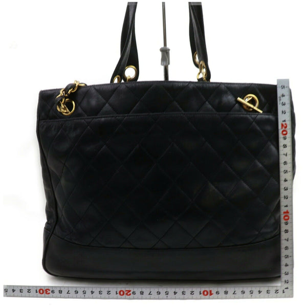 Pre-loved authentic Chanel Shoulder Bag Black Leather sale at jebwa