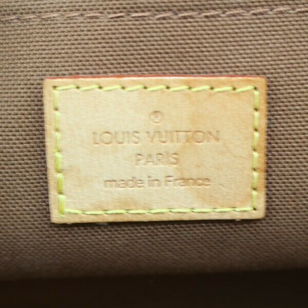Pre-loved authentic Louis Vuitton Rivets Shoulder Bag sale at jebwa