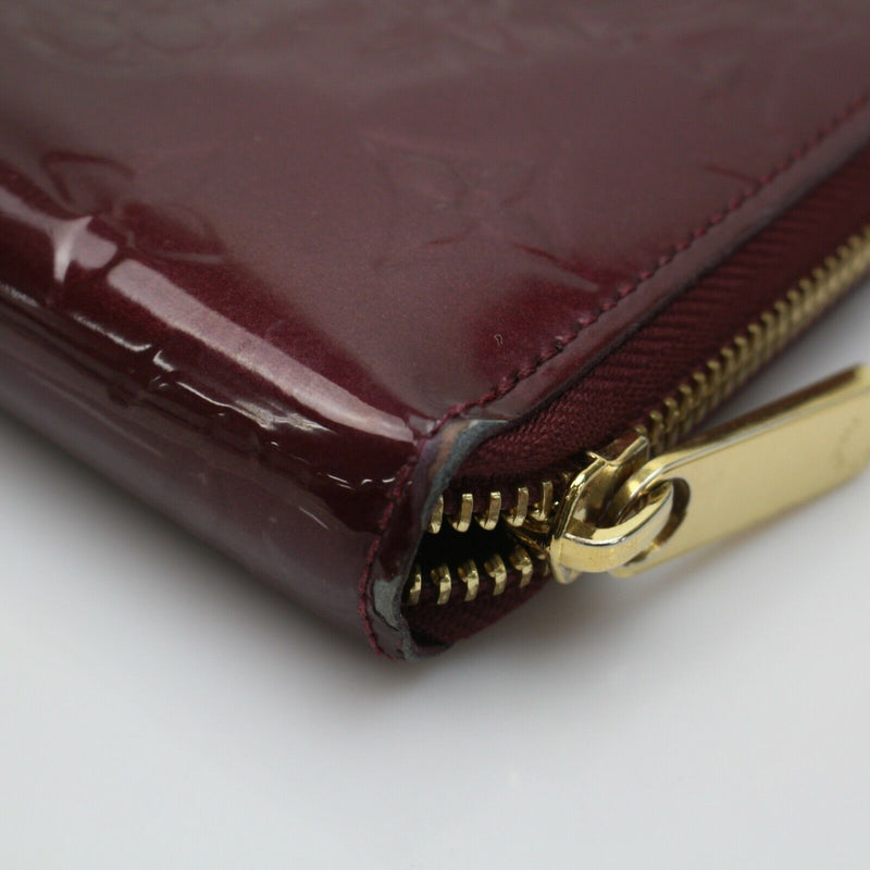 Pre-loved authentic Louis Vuitton Zippy Wallet Bordeaux sale at jebwa