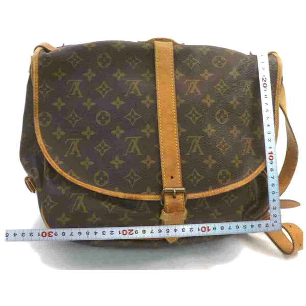 Pre-loved authentic Louis Vuitton Saumur 35 Crossbody sale at jebwa.