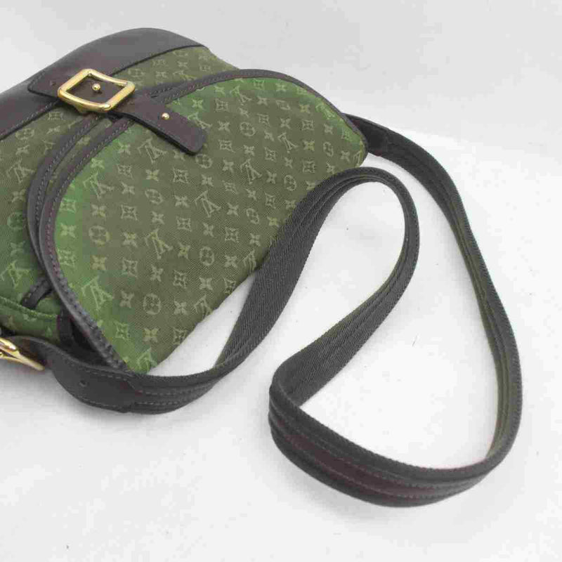 Pre-loved authentic Louis Vuitton Berangere Crossbody sale at jebwa