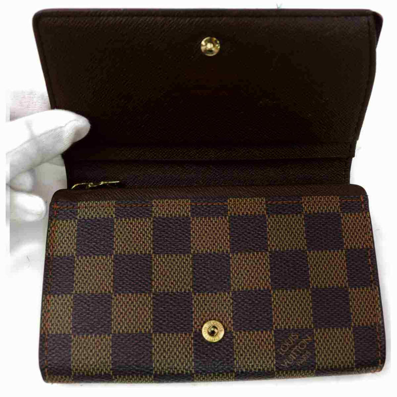 Pre-loved authentic Louis Vuitton Portefeuille Tresor sale at jebwa