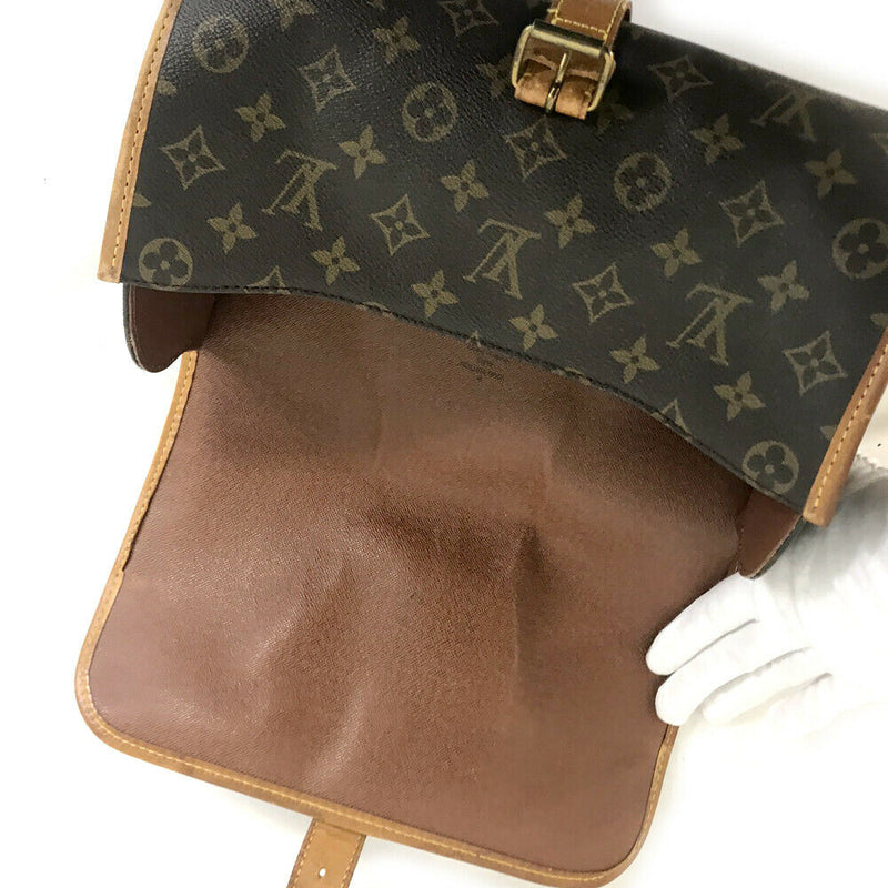 Pre-loved authentic Louis Vuitton Marne Crossbody Bag sale at jebwa.