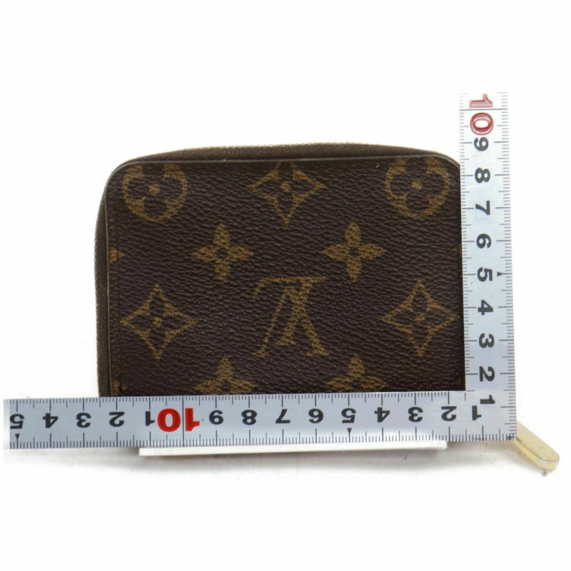 Pre-loved authentic Louis Vuitton Coin Purse Zippy sale at jebwa.