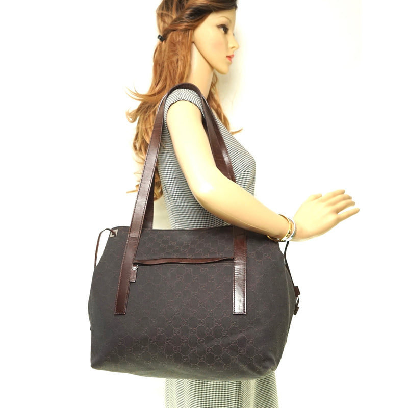 Pre-loved authentic Gucci Tote Bag Gg Canvas Tote Brown sale at jebwa