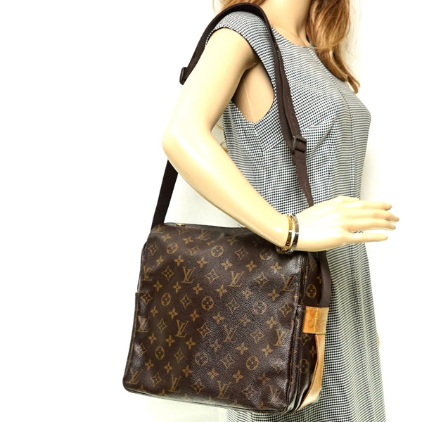 Pre-loved authentic Louis Vuitton Naviglio Crossbody sale at jebwa