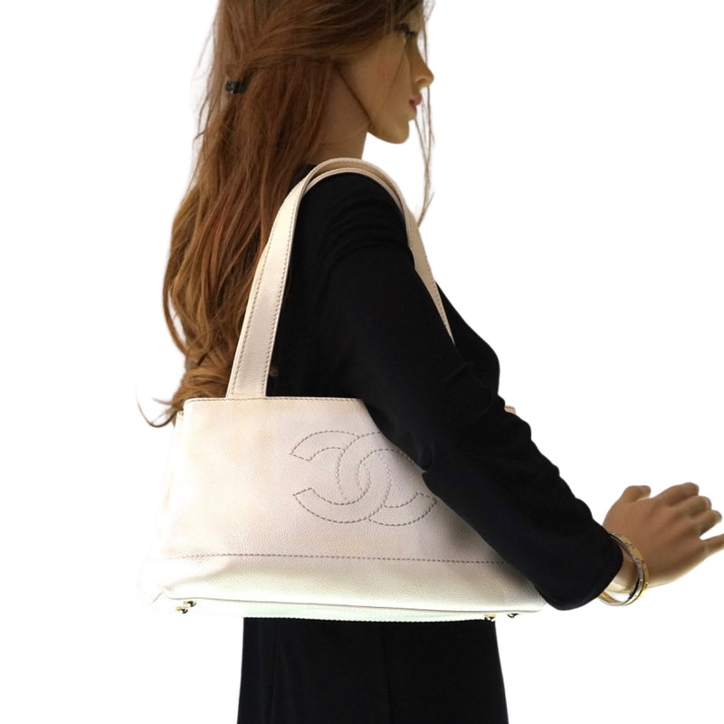 Chanel Shoulder Bag White Cavier