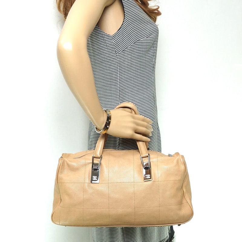 Pre-loved authentic Chanel Hand Bag Beige Cavier Skin sale at jebwa.