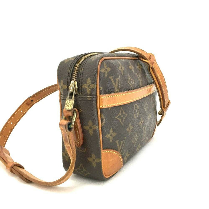 Pre-loved authentic Louis Vuitton Trocadero 24 sale at jebwa
