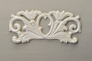 Pediment - P17 Floral Scroll