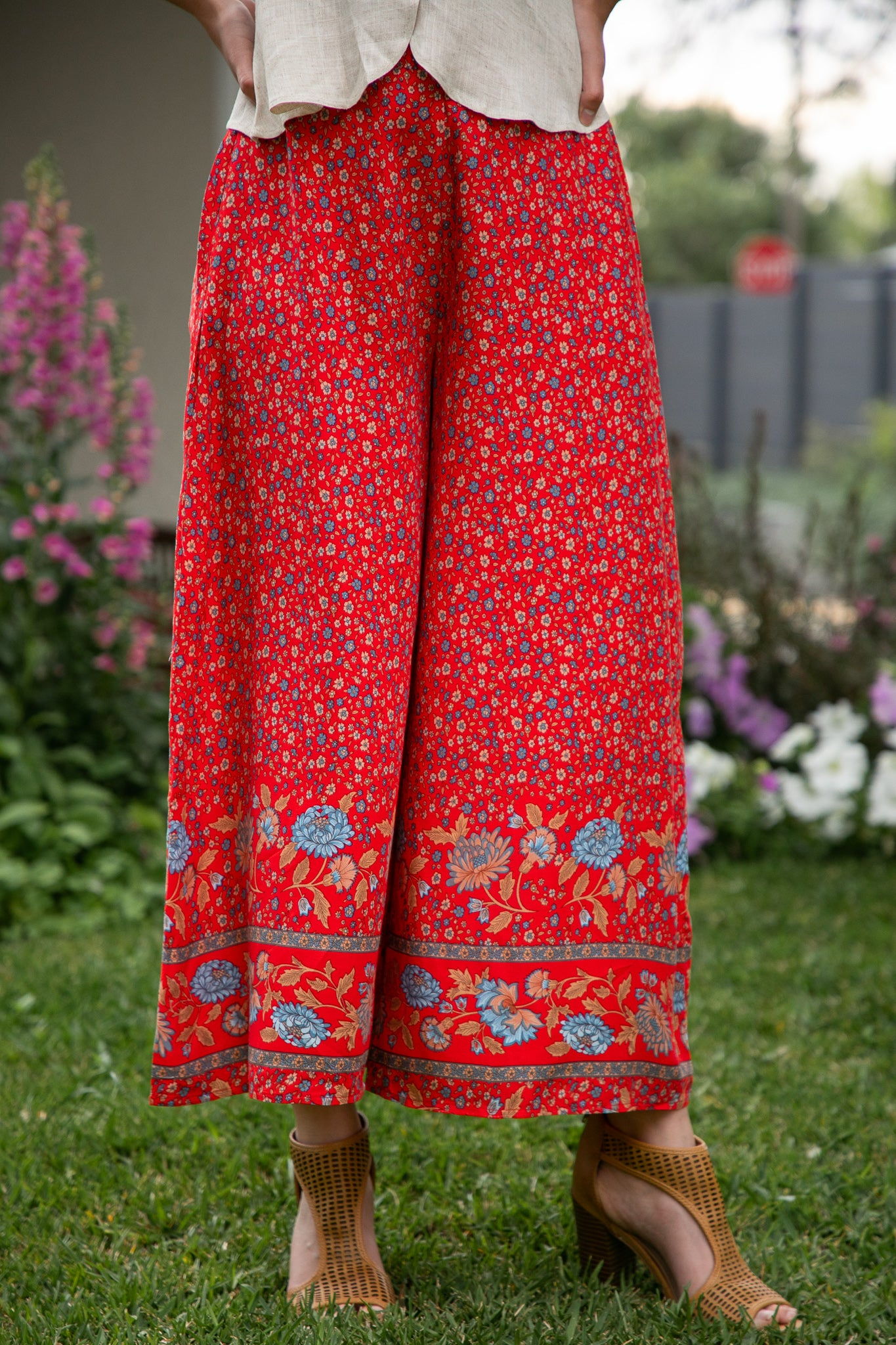 Shellie Pants in Red