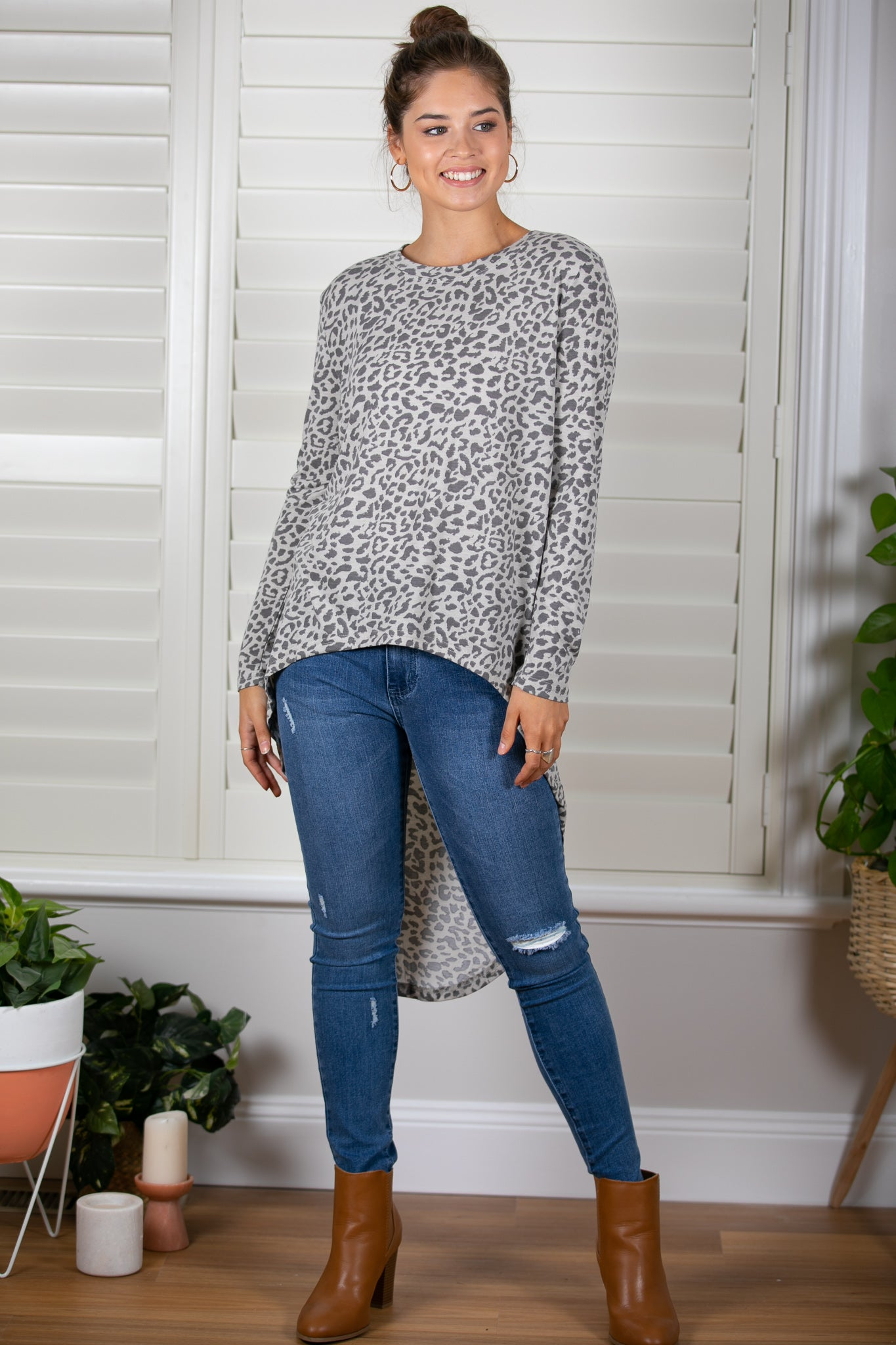 Stacey Top in Grey Leopard