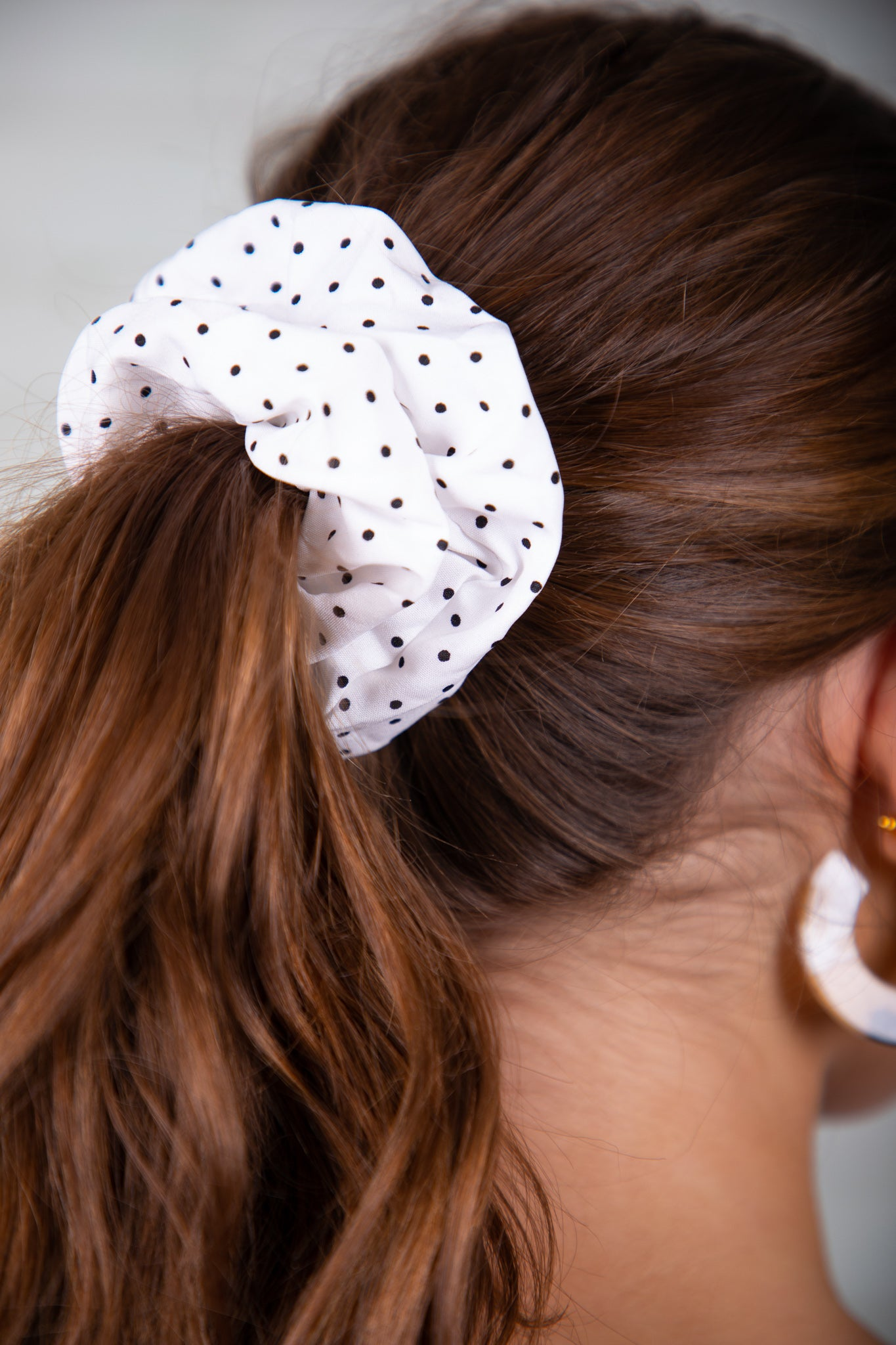 Sherie Scrunchie in White