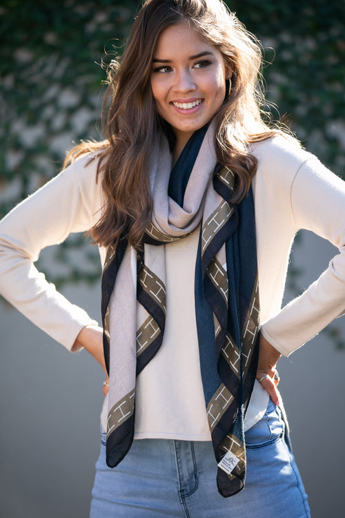 Kyle Scarf in Navy