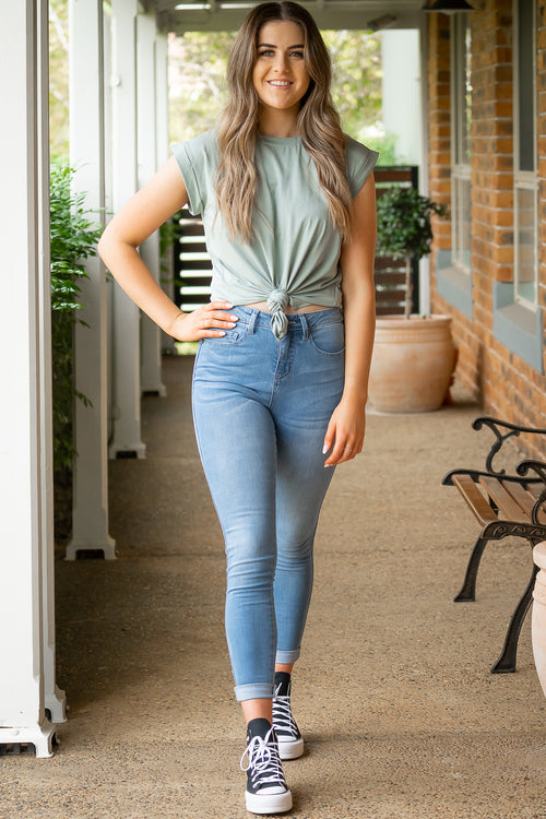 Khloe Jeans in Light Denim