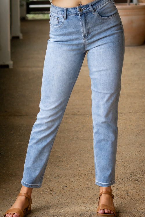 Olivia Jeans in Light Denim