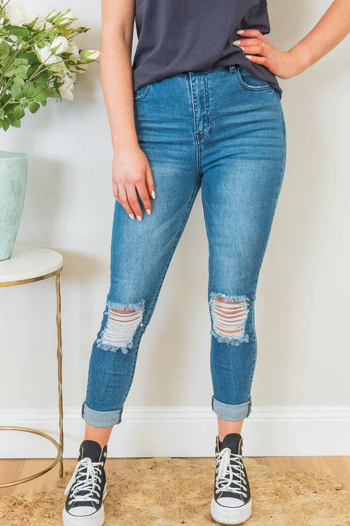 Loreta Jeans in Mid Denim