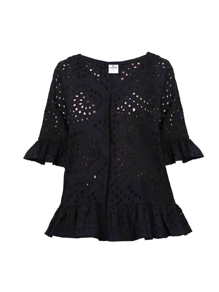 EYELET BUTTONDOWN TOP (4725903523924)