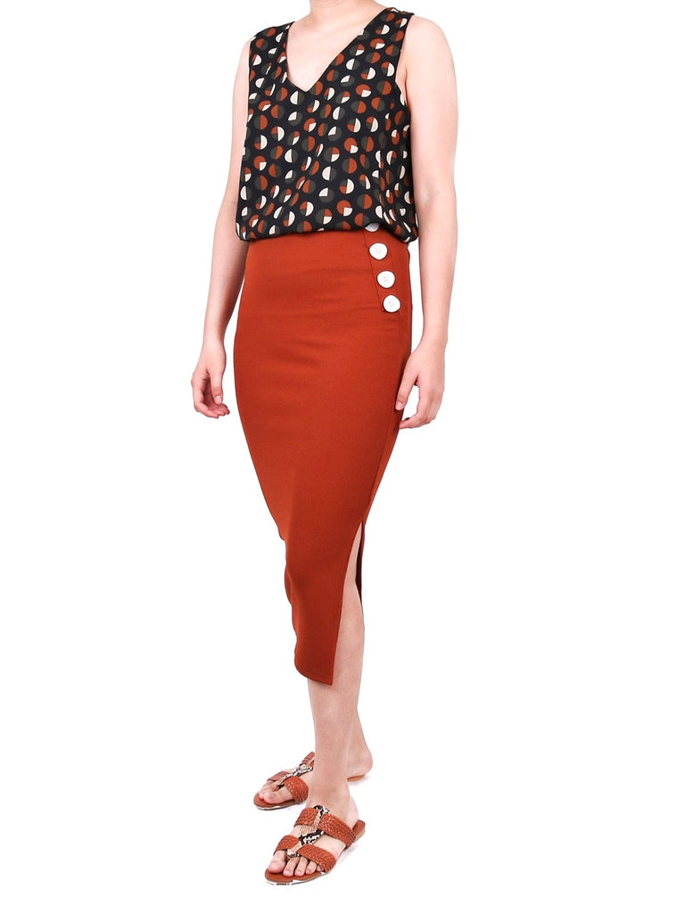 V-NECK POLKA DOTS SLEEVELESS TOP (4722598445140)