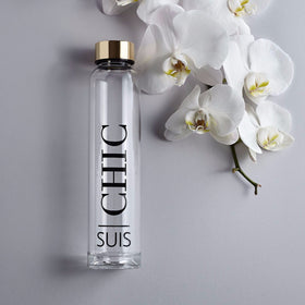 Suis 'Chic' Glass Water Bottle