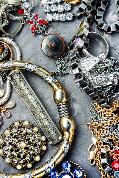 Throw It Back! ~Antique, Vintage and Estate Jewelry. What's The Difference?