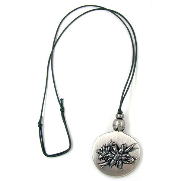 necklace pendant plate with flower