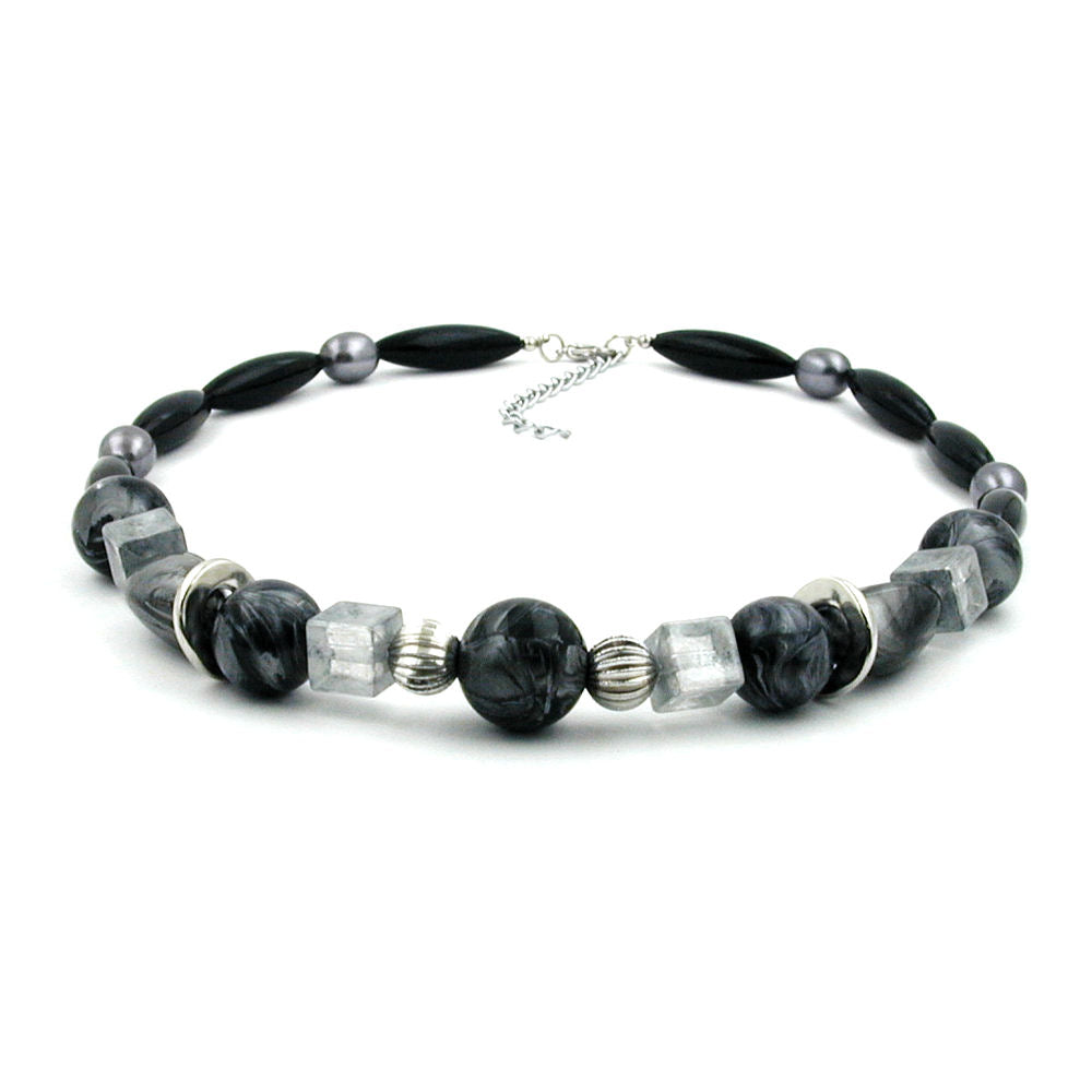 necklace black and silvergrey beads