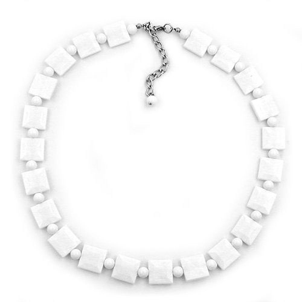 necklace tetragonal beads white