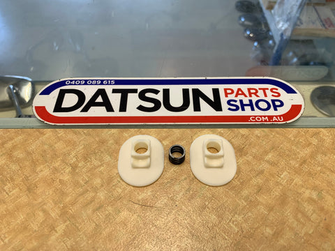 Datsun Nissan 910 Bluebird Gear Stick Side Bush Pair New Genuine