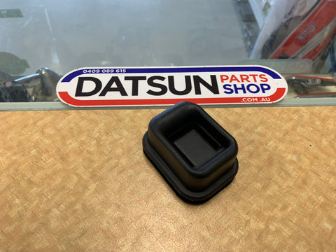 Datsun 620 Ute Clutch Fork Boot New Genuine Nissan 1500