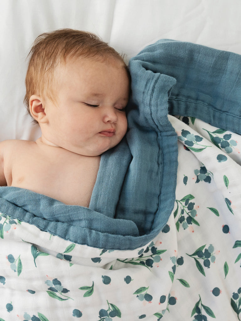 Blueberry cuddle blanket reversible | Little Blue Nest