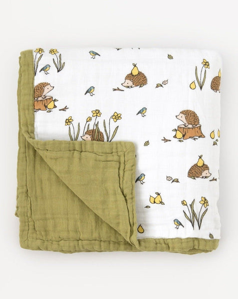 Organic cotton muslin quilt blanket 4 layers - Woodland hedgehog