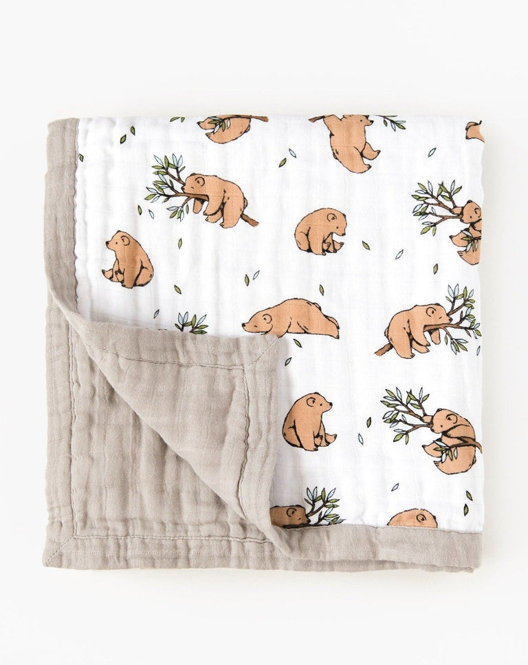 Organic cotton muslin reversible quilt bear cub | Little Blue Nest