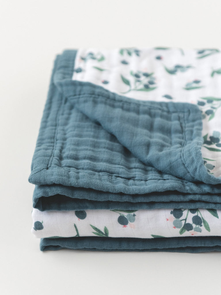 Blueberry reversible baby quilt blanket detail | Little Blue Nest
