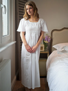 18th Century Style - Ladies Short Sleeved Cotton Nightdress
