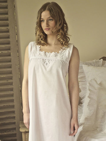 Pure White Ladies Sleeveless Nightdress
