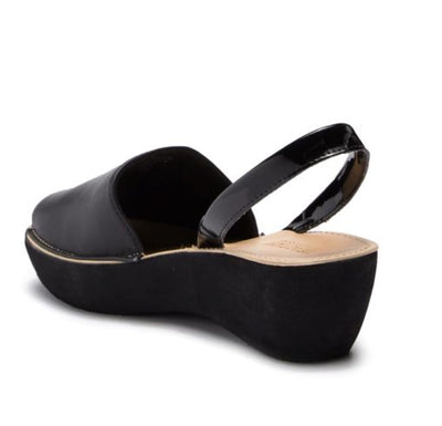 Kenneth Cole Reaction Fine Glass Slingback Sandal