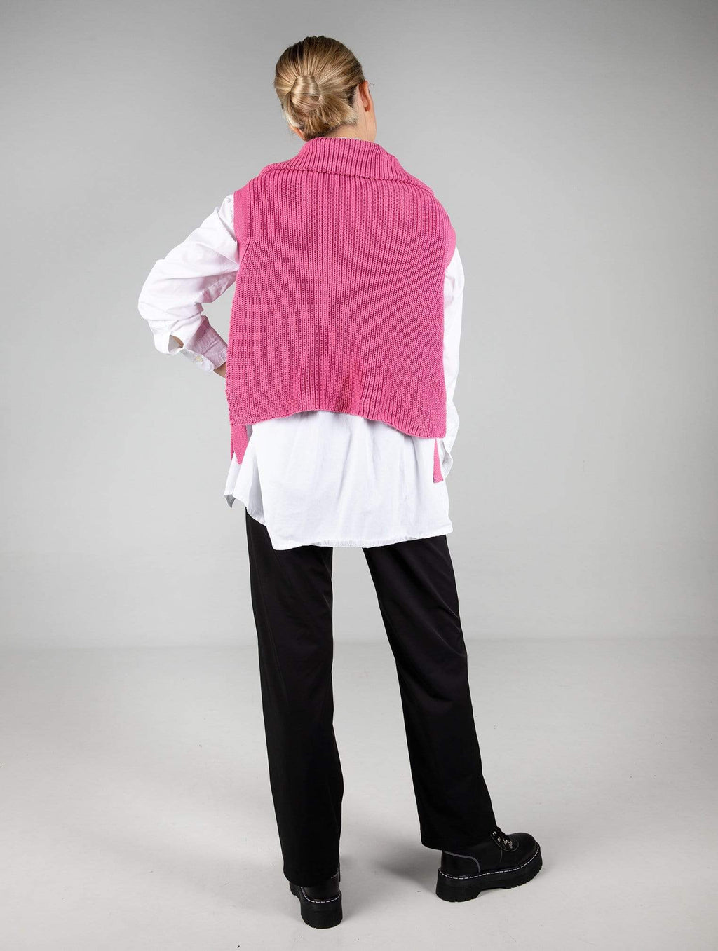 the vest fucsia