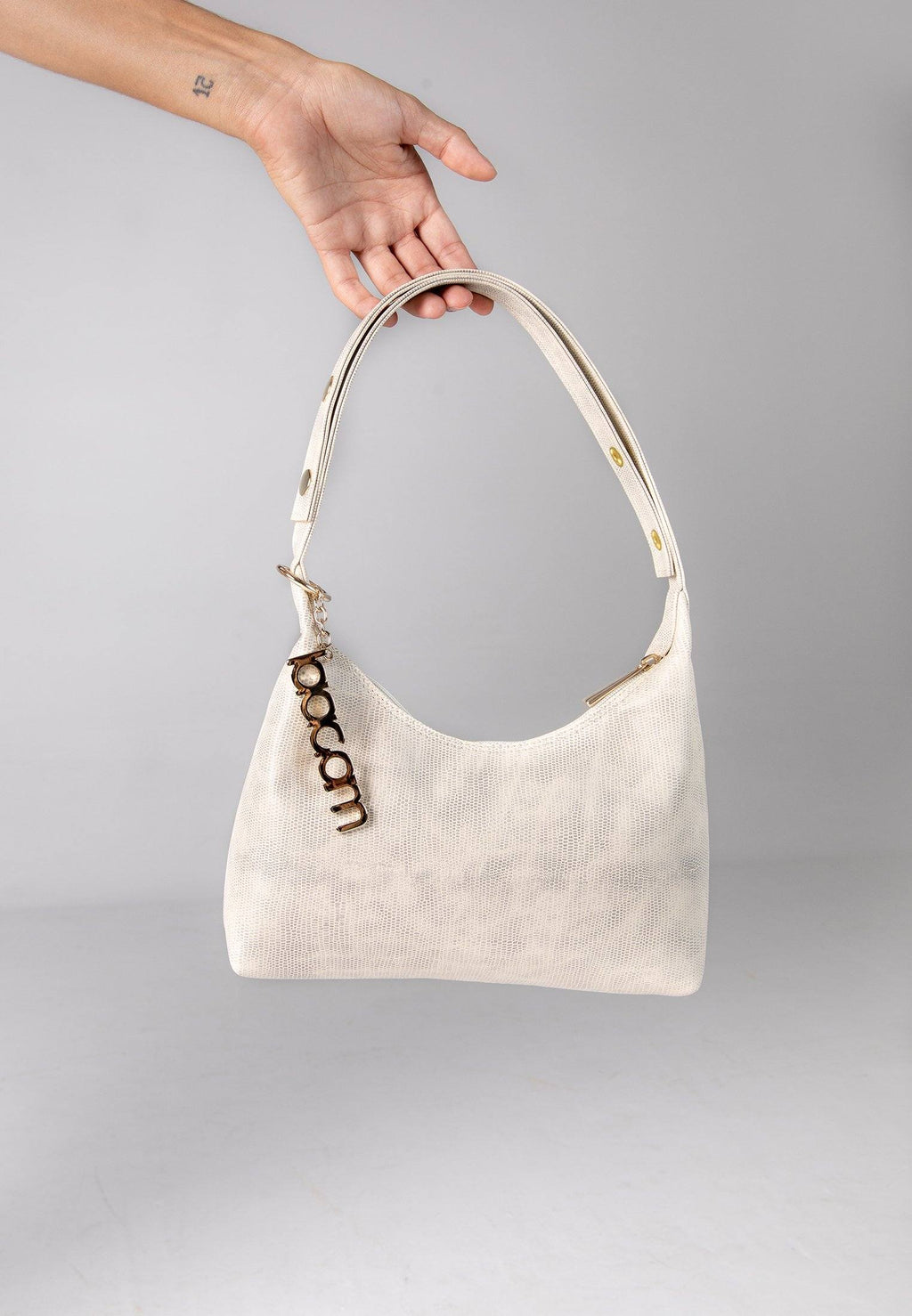 triangle bag créme