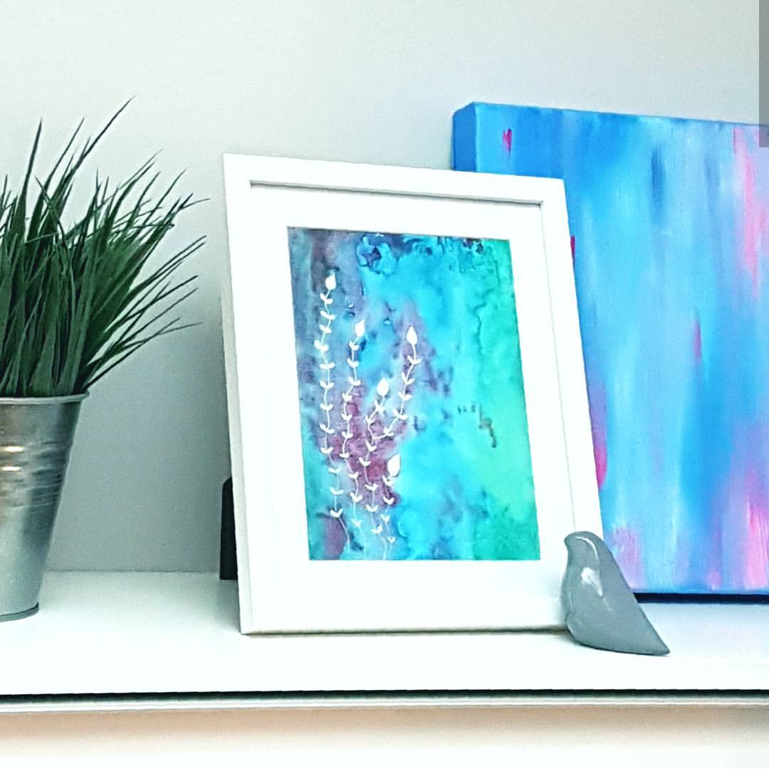 Home office shelf styling with art print from Minnie&Lou, Melbourne Australia