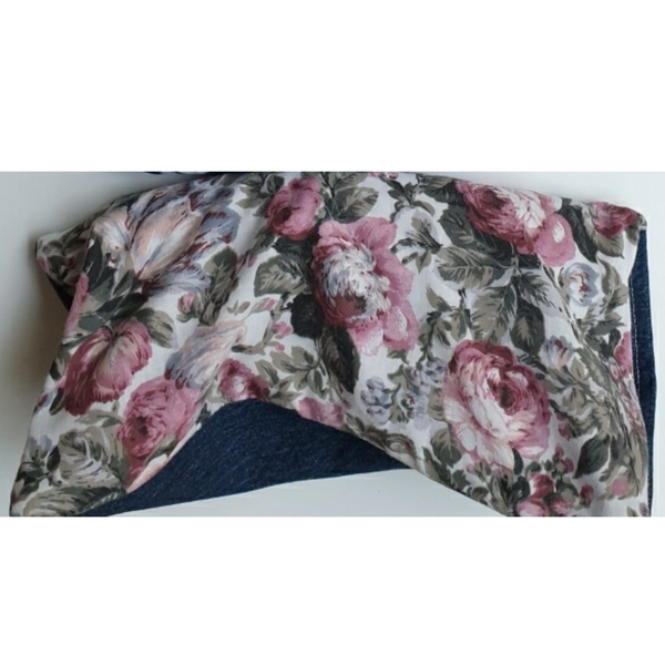 Eco friendly wheat bag made with upcycled fabric 'Old Fashioned Roses'