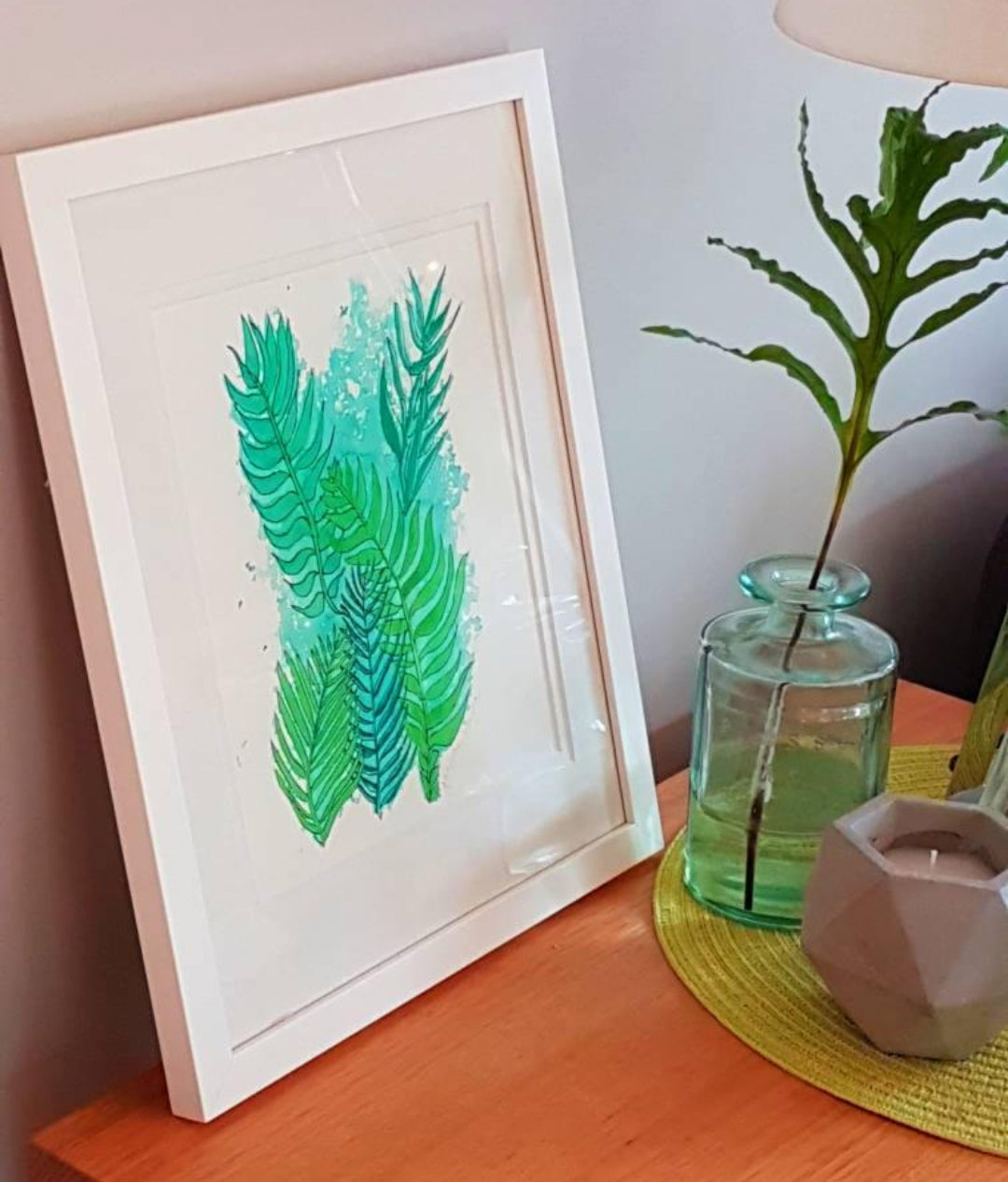 Lamp table styling with botanical art by Minnie&Lou