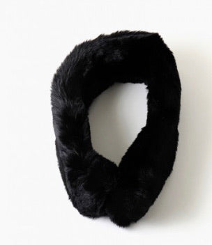 Fur magnetic button scarf