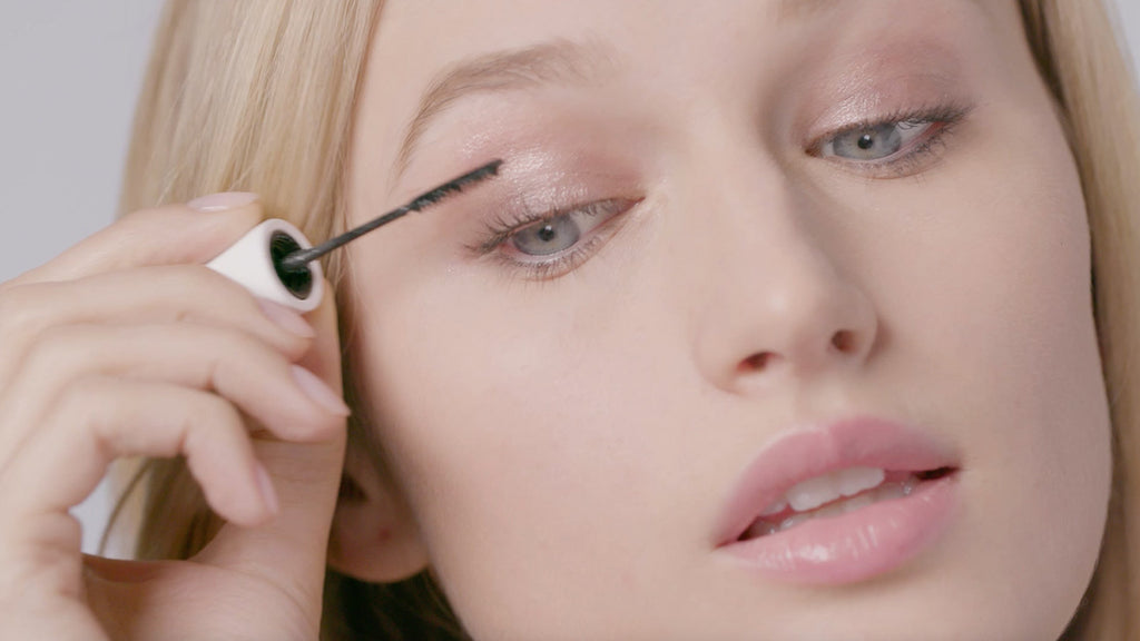 How-To: Thick + Thin Mascara