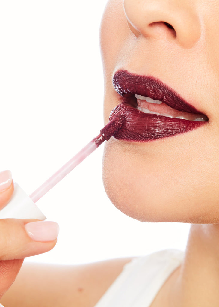Read Our Lips: These Spring Trends Will Make You a Makeup Star